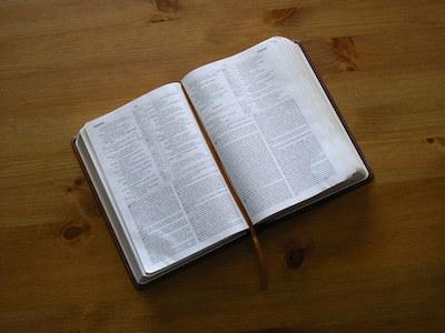open-bible-1425481